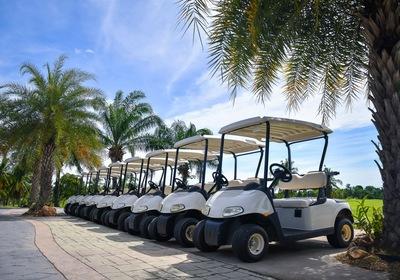 Discover the Superior Amenities of E-Z-GO Golf Cars